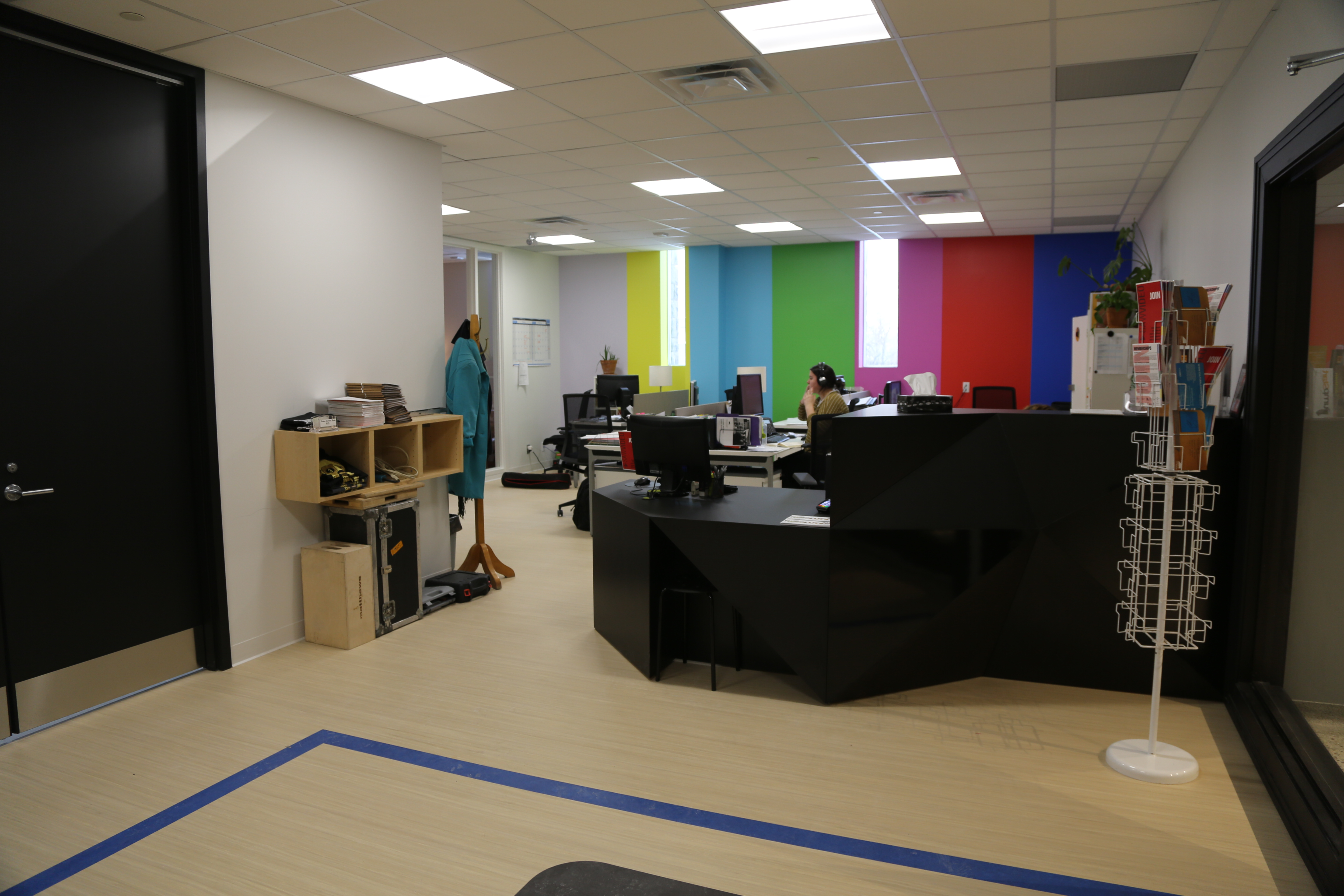inside saw video office space