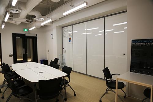 saw video HUB Space whiteboard wall